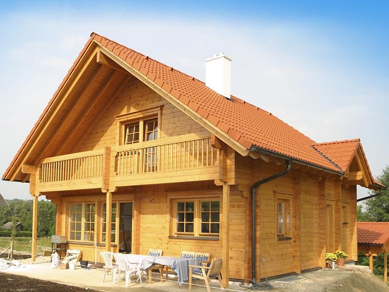 Foto di case in legno a due piani for Piani di casa in stile ranch tradizionale